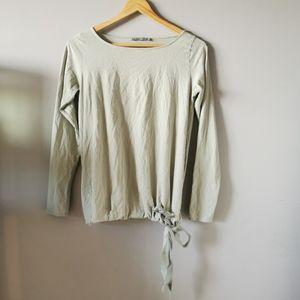 🌻3/$25🌻COS Cotton Top w/ Bowtie Hem